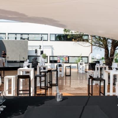 Location de tables cocktails pour réception Toulouse - Table Frame event Tunzini