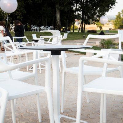 LOCATION MOBILIER EVENEMENTIEL CHAISES DELTA PSB LOUNGE